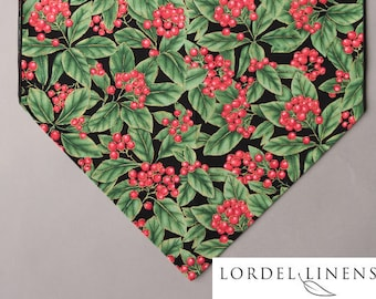 Winter Table Runner, Red Berries and Green Leaves, Christmas Table Runner, Holiday Decor