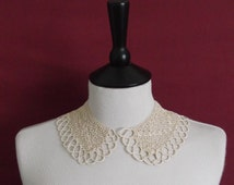 Vintage 1930s Crocheted Peter Pan Collar in Beige