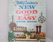 Vintage classic cookbook Betty Crocker  New good and EASY  1962