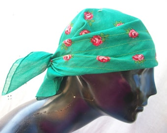 Green with Pink Roses ~ Authentic Vintage ~ Sewn Head Scarf ~ This is Darling ~ Rockabilly / Fab Forties 1940's ~ 1950's  ~ Chic ~ Cotton