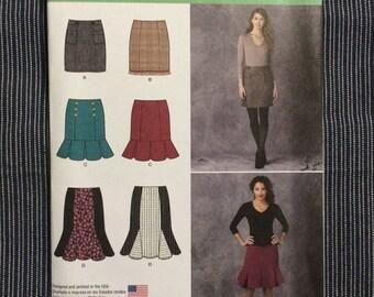 Skirt Pattern / Misses Skirt / Small Skirt Pattern / Medium Skirt Pattern / Simplicity 1321 / Career Skirt Pattern / UNCUT