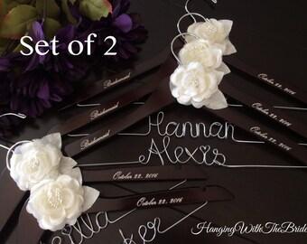Set of 2---Personalized Hanger,  Custom Bridal Hangers,Bridesmaids gift, Wedding hangers with names,Custom made hangers