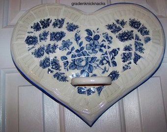 Mosaic Wooden Heart.  Towel holder