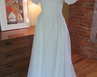 Vintage William Cahill Beverly HIlls California Wedding Dress. Jackie Style 1950s. Beautiful condition. Size 6-8.
