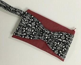 Bow Wristlet Clutch Red Ostrich Vinyl Black White Zipper Purse Strap