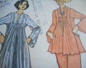 Vintage 1970's Vogue 8587 Dress or Tunic and Pants Size 16 Bust 38