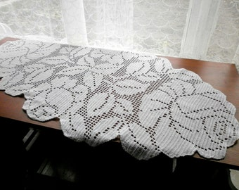 White floral tablecloth, Filet crocheted Floral centerpiece big white cotton doily, Wedding table topper Living room decor Lace table runner