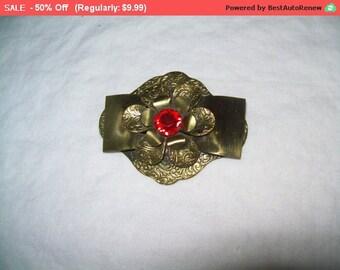 SALE Vintage rhinestone flower brooch, antique brooch
