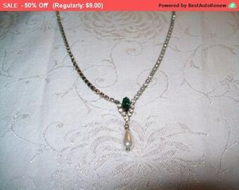 SALE Vintage Rhinestone choker necklace, pretty dangling rhinestone necklace