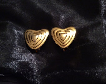 Authentic vintage 1980'S runway glam signed Escada gold-plated heart clip-on earrings