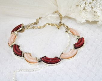 Vintage 1950s Pink Thermoset Necklace Perfect For Any Occasion