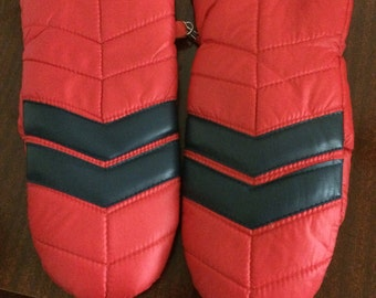 Vintage Red and Black Puffy Warm Mittens