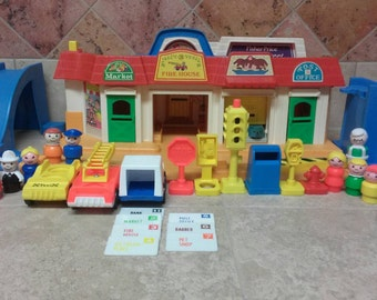 Vintage Fisher Price Little People Main Street - Complete