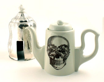 Skull Queen Tea or Coffee Pot Porcelain Insulated Teapot Unique Hammered Cover Halloween Day of the Dead Mexico