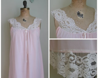 Vintage Pink Nightie with lace shoulder detailing// 1960's
