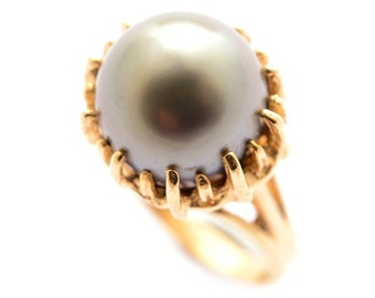 Beautiful 14KT Yellow Gold Cultured Pearl Ring Vintage Antique Good Quality