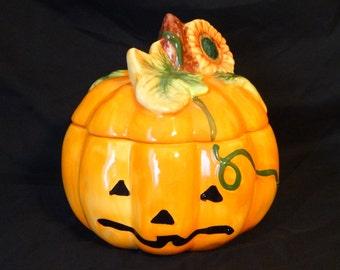 Vintage Ceramic Halloween Pumpkin Jack-o-lantern Candy Dish with Lid