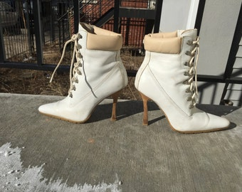 White and Beige Lace Up High Heel Sneaker Boots Steve Madden Leather 90s Ankle Boots Size 8 Ladies
