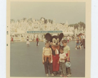Vintage Snapshot Photo: Disneyland, 1968 (68495)