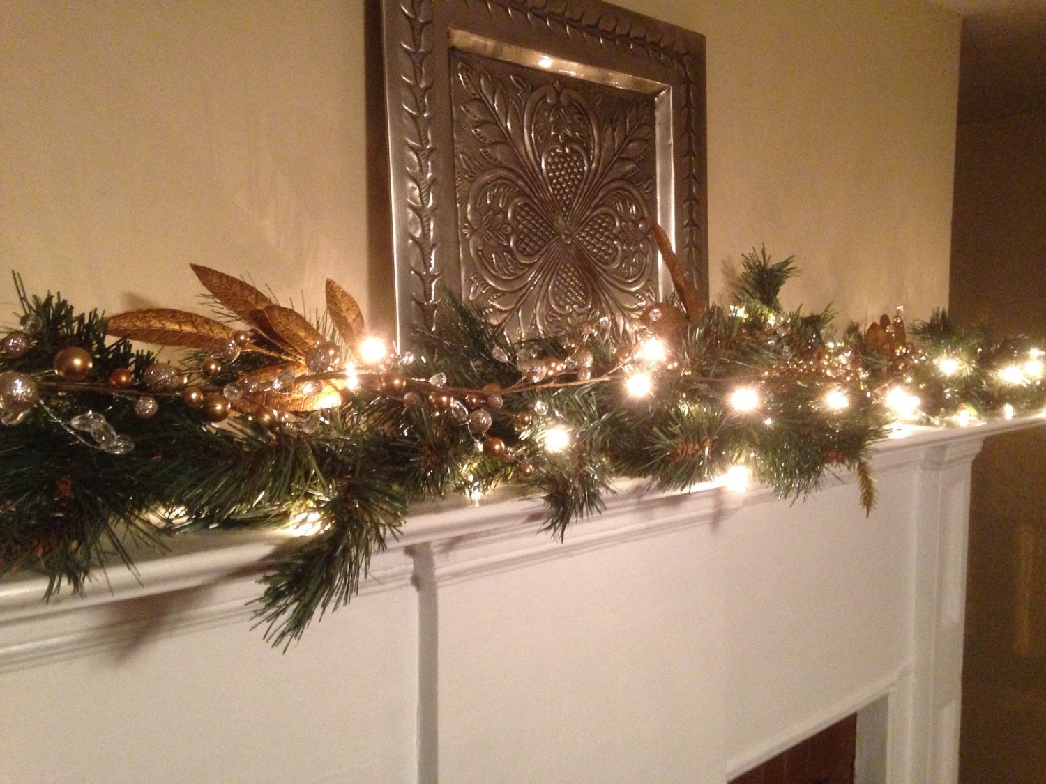 Christmas mantle garland pine garland with gold leaf gold for Christmas mantel decorations garland
