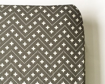Crib Sheet in Gray Plus Chevron