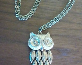 "1960's Vintage Gold Tone Owl Necklace by Avon - Owl Pendant with 24"" heavy chain"