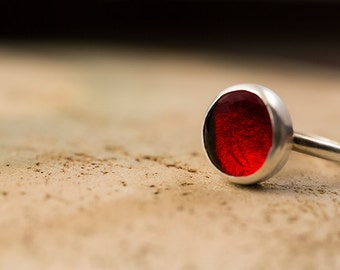 Fire Red ring, Ruby Red ring, scarlet red ring, cabochon ring, glass ring, silver ring, pebble ring, pastille, gift for her, statement ring