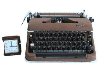 Vintage Typewriter Olympia Deluxe AG SM Typewriter