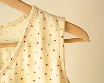 90s peach & color HEART shaped polka dot small women's tank top pullover shirt
