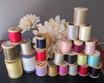 Vintage Lot 24 Wood Spools Thread Assorted Colors  J and P Coats  Star  Coats and Clark  Corticelli