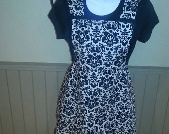Black and white apron vintage style