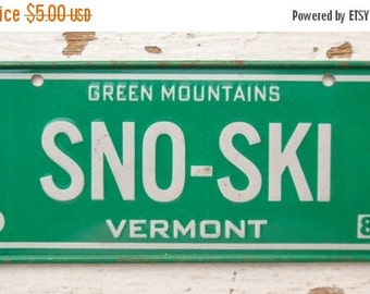 ON SALE Vintage, Vermont, 1981, Bike Plate, Bicycle, License Plate, Cereal Premium, Miniature, Tin, Embossed, Collectibles