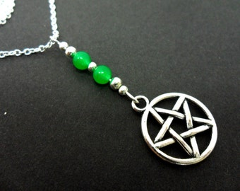A lovely little green jade bead pentagram/pentangle charm tibetan silver  pendant necklace.