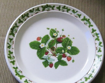 Summer Strawberries Portmeirion Dinner Plate Pristine Made in Britain