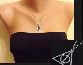 Small Pendant Triangle Necklace, Antique Silver Necklace, Small Charm Triangle Inspired, Best Kids Gift, Chidren Necklace, Birthday Gift