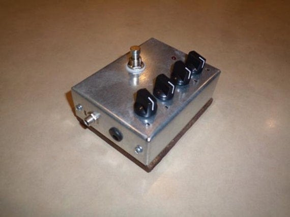 klon centaur clone pedal with enhanced distortion clarity. Black Bedroom Furniture Sets. Home Design Ideas
