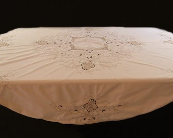 Round Embroidered Tablecloth With Crochet Inserts