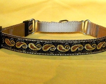 Gold Paisley collar