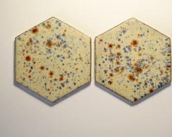 cream hexagon coasters, blue and brown dots, coasters ceramic drinkweare honeycomb ceramic set of two, 2pc, ceramic tableware home decor