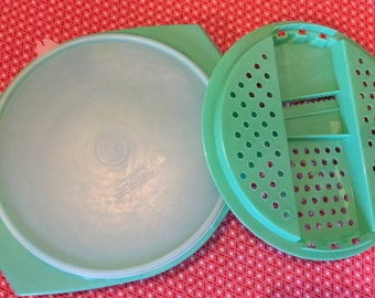 Vintage Tupperware Jadeite Green Cheese Grater/Shredder and Bowl 786