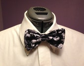 Walking Dead Zombie Print Bow Tie