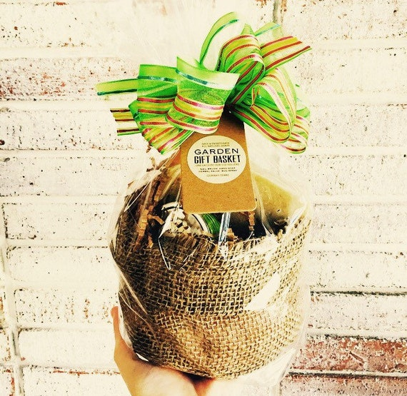 Gardening Gift Basket With Resusable Burlap Bag