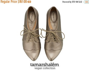 LAST PAIRS VEGAN Handmade Gold oxford shoes  by Tamar Shalem on etsy