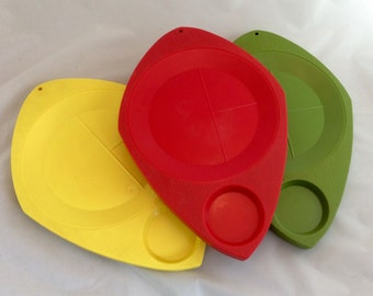 Retro Plastic Picnic Plates, Vintage Red Yellow and Green Paper Plate Holders