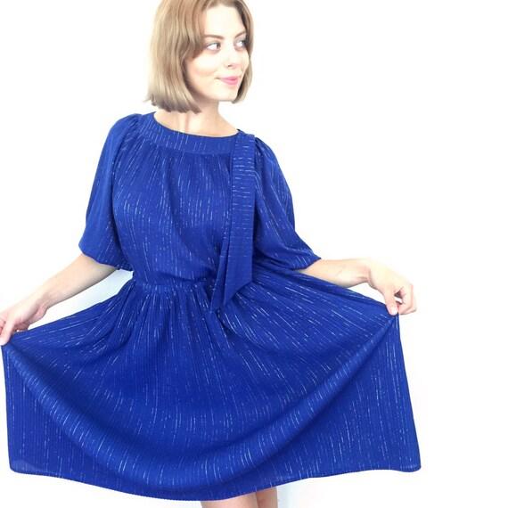 Vintage blue dress silver stripe lamè electric blue knife pleat flared skirt nu wave day dress bow tie UK 10 stretchy 1980s sparkly disco