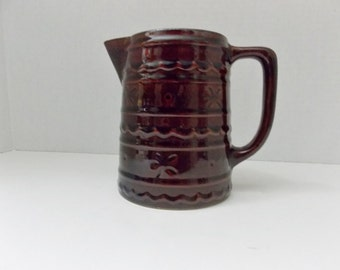 Pitcher by MarCrest ,  1 quart  Daisy and Dot,  Warm Colorado brown Mar-Crest Milk pitcher or batter pitcher