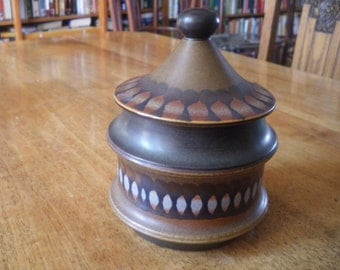 "vintage goebbels pot with lid ""wallis"" in very good shape"