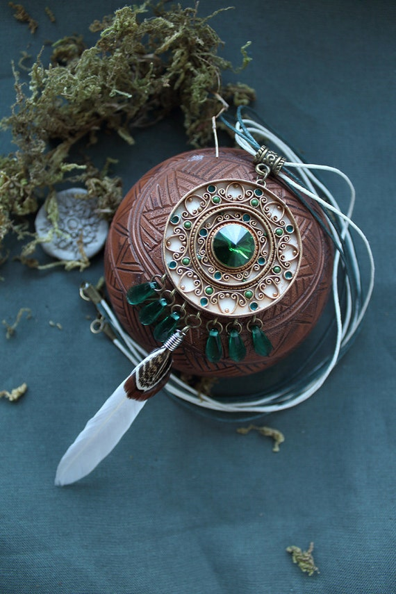 Ethnic pendant, Indian jewelry, Boho Pendant, emerald pendant