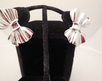 GIVENCHY BOW Silvertone Pierced Earrings - Paris New York -  Vintage