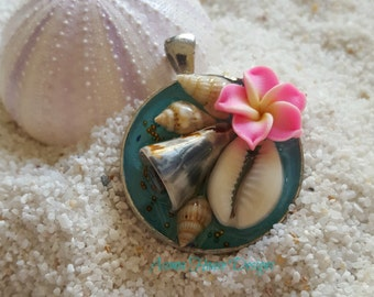 "Mermaid's Treasure Necklace ""Sereia"""